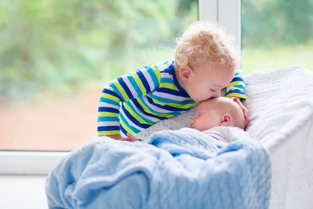 Bujaki dla dzieci to jedne z popularniejszych sprzętów. Leżaczki bujaczki wyposażone są w pałąki do zabawy, często pełnią też rolę pierwszych krzesełek do karmienia. Jaki bujaczek wybrać?