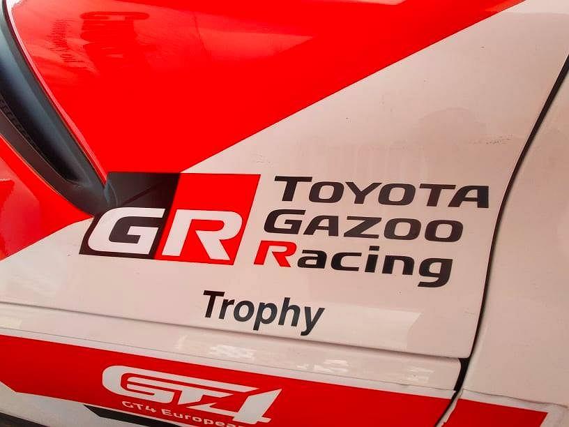 Toyota GR Supra GT4 teamu Chodzeń na Autodromie Pomorze