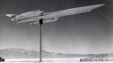 Testy modelu samolotu A-12 w Strefie 51