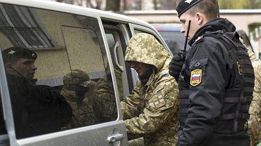 Ukraińscy marynarze przewiezieni z Krymu do Moskwy