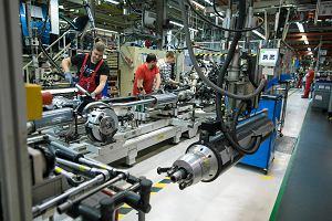 Gwałtownie kurczy się eksport samochodów z Polski. To przekłada się na kiepskie wyniki w handlu zagranicznym całej branży