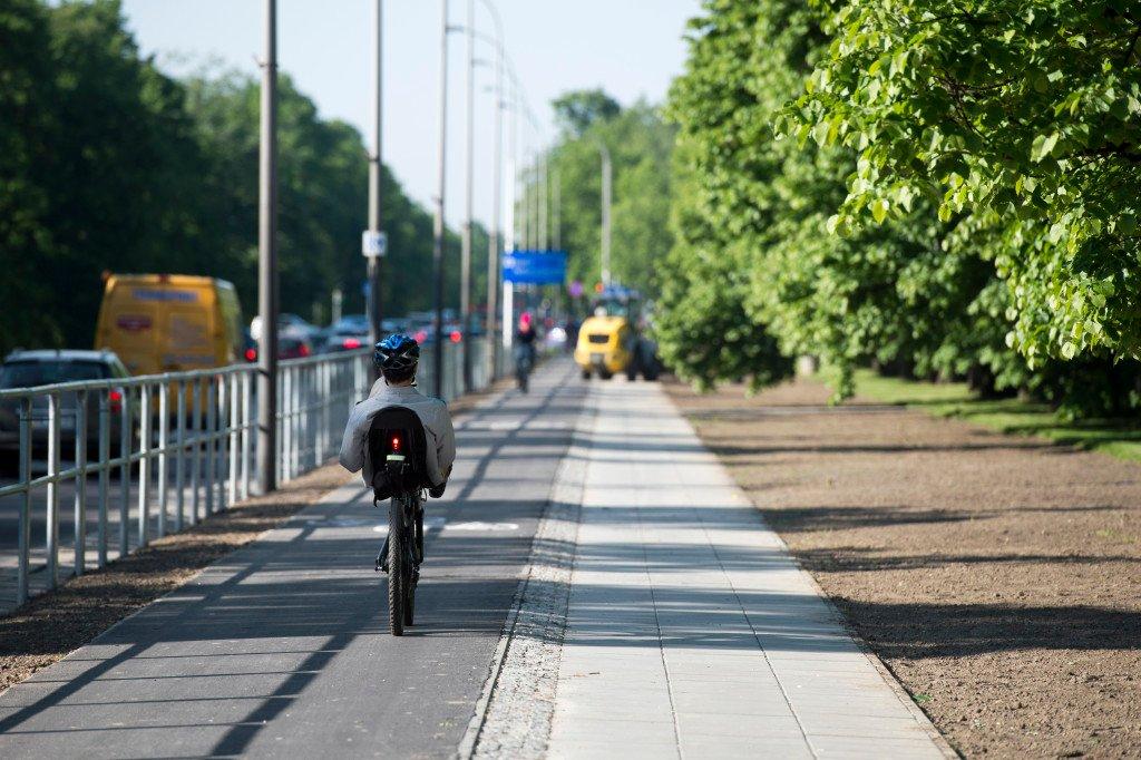 Nowa droga dla rowerów i chodnik przy ul. Żwirki i Wigury