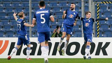 Ishak strzelił dwa gole, ale Lech przegrał z Benfiką.