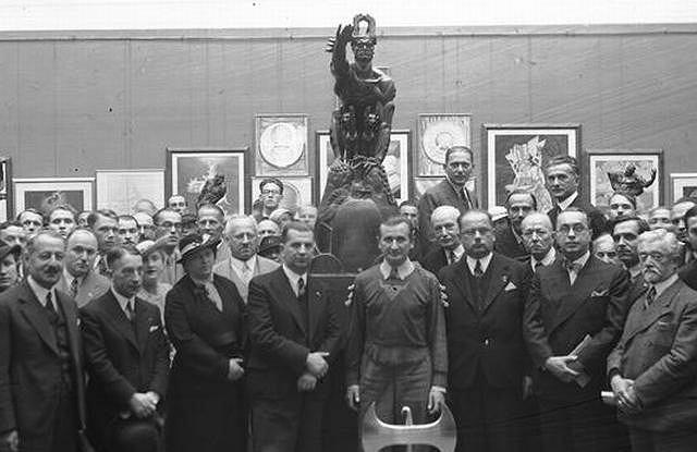 Wernisaż prac Stanisława Szukalskiego, Kraków, 1936