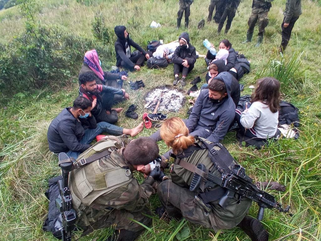 Wąsik: Straż graniczna pomogła 12 migrantom