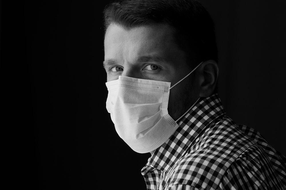Jeśli masz COVID-19, amerykańskie badanie pokazuje, że połowa domowników zachoruje w ciągu kilku dni