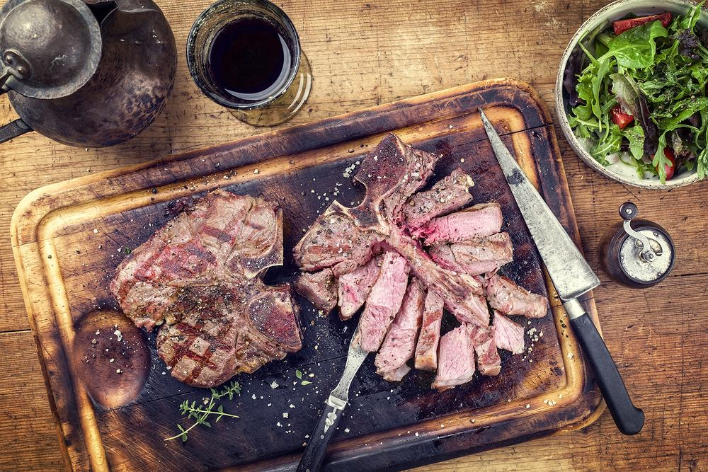 Umami to smak nie do końca uchwytny. Zwykle określany jest przymiotnikami 'mięsny' lub 'rosołowy'