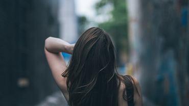 Nietypowe sposoby pielęgnacji włosów. Domowe produkty, które odżywią włosy