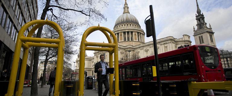 Na Trakcie Królewskim powstaną stałe zapory jak w Londynie? Mają chronić przed zamachami