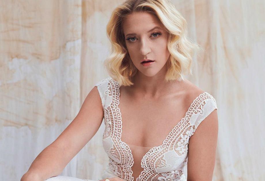 Lara Gessler zaprojektowała kolekcję sukni ślubnych