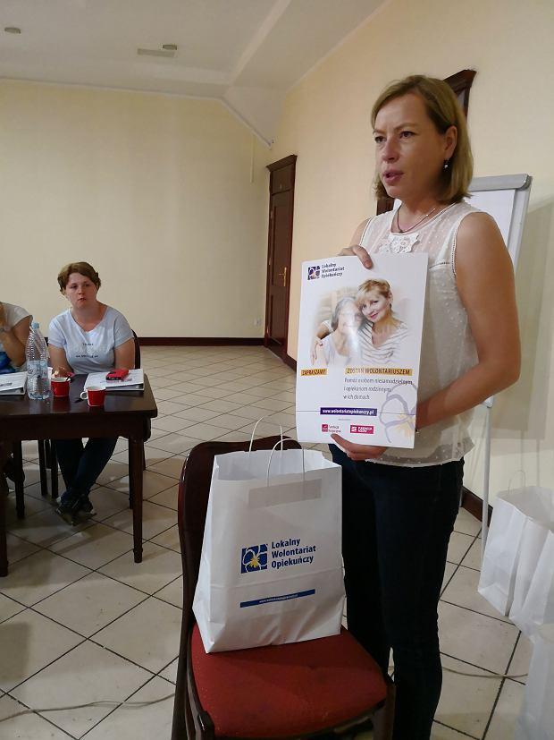 Anna Janowicz, prezes Fundacji Hospicyjnej, na szkoleniu koordynatorów lokalnych w projekcie Fundacji Agory i Fundacji Hospicyjnej z Gdańsku - miniatura