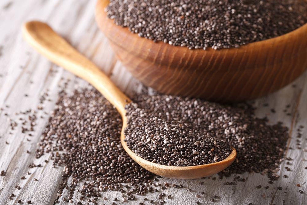 Nasiona chia są cenione przede wszystkim ze względu na bardzo dużą zawartość kwasów omega-3, które są niezbędne do prawidłowego funkcjonowania organizmu