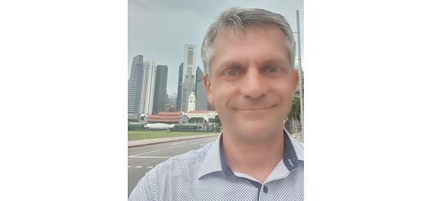 Michał z widokiem na Central Business District i Singapore Cricket Club (fot. Archiwum prywatne)
