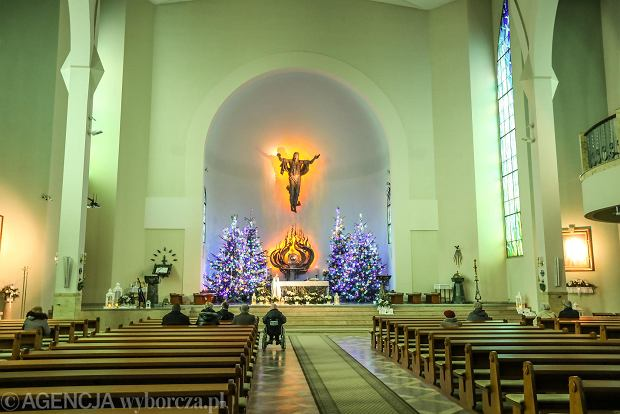 Zdjęcie numer 5 w galerii - Jezusek w skromnej stajence. Zobacz, jak wyglądają szopki w kieleckich kościołach [ZDJĘCIA]