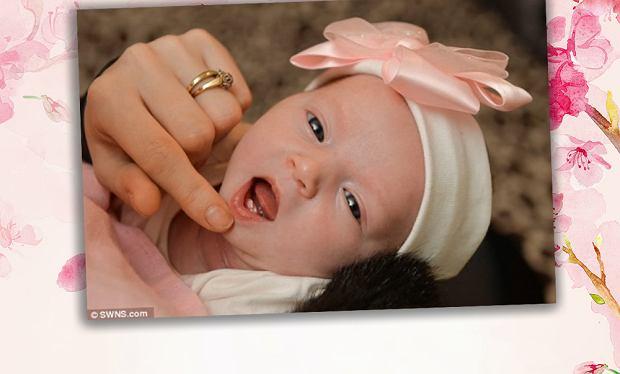 5fe1562d77e9a0 Nie mogła uwierzyć. Jej córeczka tuż po urodzeniu otworzyła buzię, a tam...  Teraz boi się karmić małą