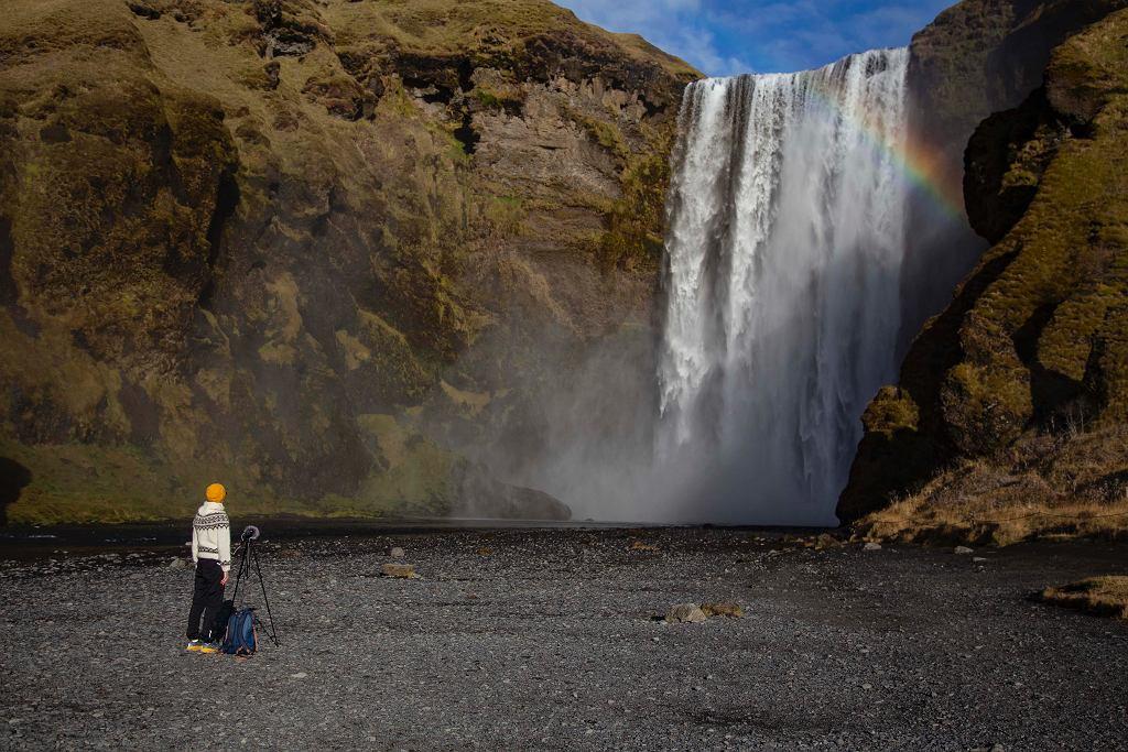 Kaśka Paluch podczas nagrywania dźwięków Islandii