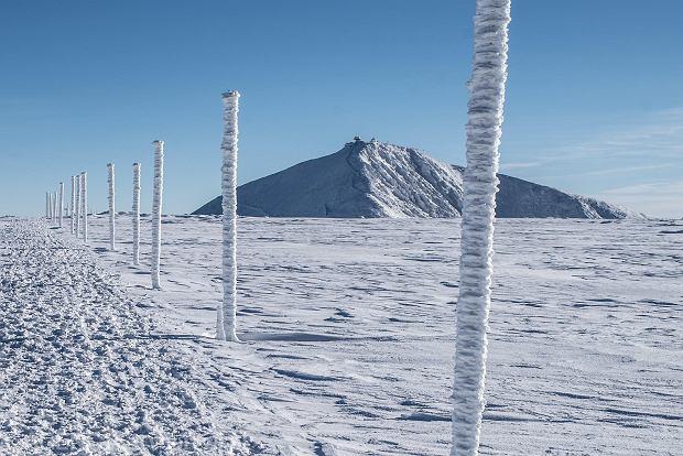 Zdjęcie numer 0 w galerii - Różne oblicza zimy. Baśniowe piękno oszronionych Karkonoszy [GALERIA ZDJĘĆ]