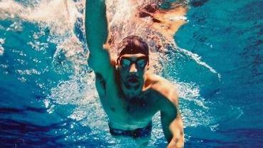 Treningi pływackie odciążają kręgosłup i stawy
