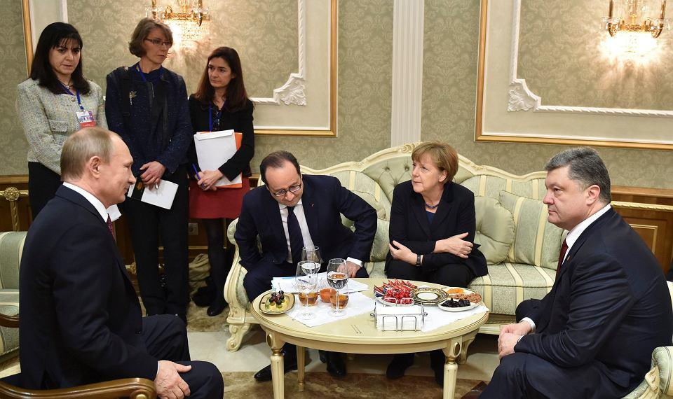 Przywódcy Rosji, Francji, Niemiec i Ukrainy podczas rozmów w Mińsku