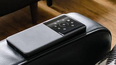 Smartfon firmy Light z 9 kamerami (grafika koncepcyjna)