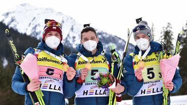 Marcin Zawół, Jan Buńka i Konrad Badacz - młodzieżowi mistrzowie świata w sztafecie 3x7,5 km 2021 rok. Źródło: INU JUNIOR CUP (TWITTER)