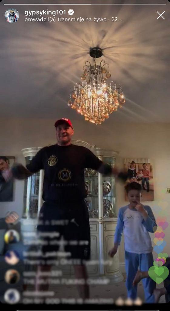 Tyson Fury zachęca fanów do wspólnego treningu.