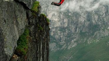 Sporty ekstremalne: B.A.S.E. / fot. Shutterstock