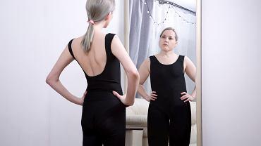 Anoreksja to niebezpieczne zaburzenie, które polega na stałym dążeniu do redukowania wagi, towarzyszy mu zaburzone postrzeganie własnego ciała.