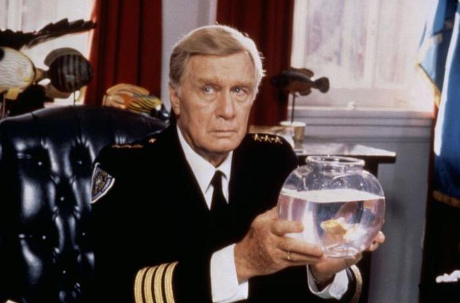 George Gaynes w filmie z serii