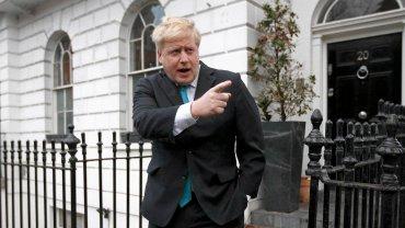 Boris Johnson tuż przed rozpoczęciem wystąpienia, w którym zadeklarował, że chce aby Wielka Brytania wystąpiła z Unii Europejskiej