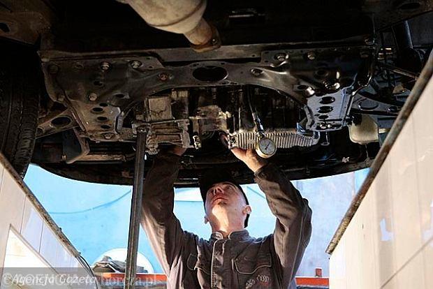 Jakie Są Przyczyny Szarpania Podczas Ruszania Samochodem