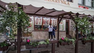 Luzowanie obostrzeń w gastronomii. Bydgoscy restauratorzy szykują się do otwarcia ogródków w połowie maja.