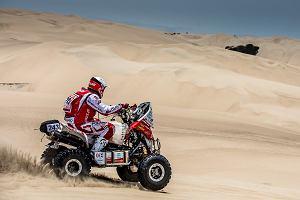Rajd Dakar. Rafał Sonik spada w klasyfikacji generalnej. Poważny wypadek lidera