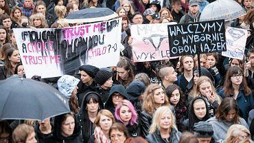 """""""Czarny protest"""" w Krakowie"""