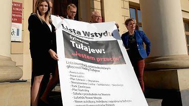 Radni Platformy Obywatelskiej i Wspólnego Lublina prezentują listę inwestycji, przeciwko którym głosował Tułajew