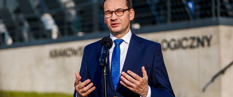 Split payment przełożony. Morawiecki: Słuchamy głosów przedsiębiorców