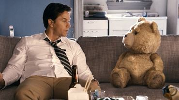 """John i Ted w filmie """"Ted"""""""