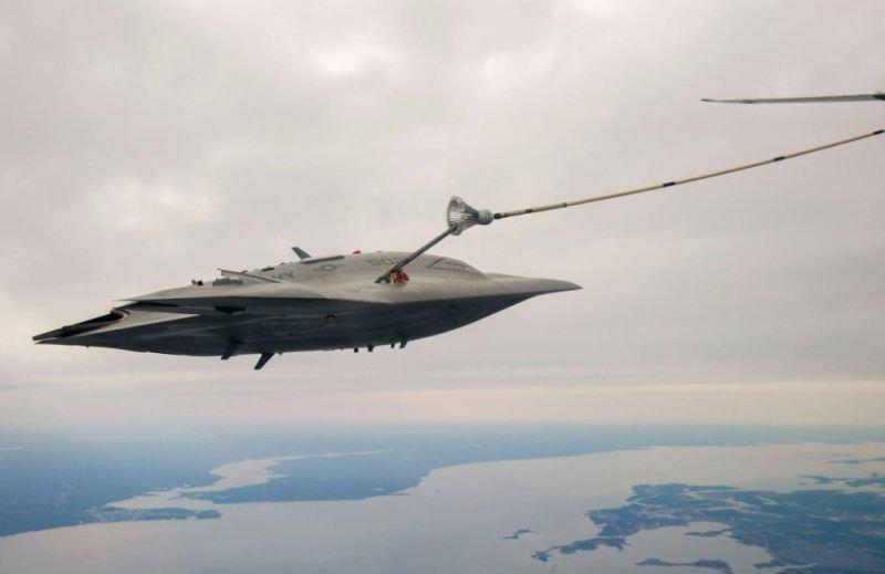 Bezzałogowy X-47B pierwszy raz tankował w powietrzu