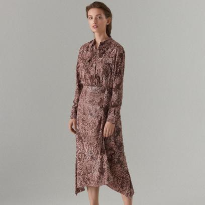Sukienka o koszulowym kroju