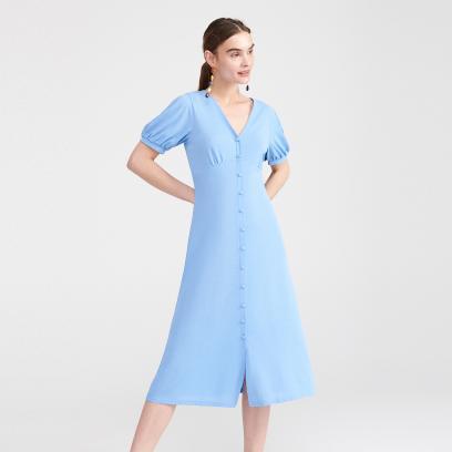 Dzianinowa sukienka w niebieskim kolorze