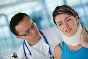 Ból szyi połączony z ograniczeniem ruchu? Nie można wykluczać zwyrodnienia