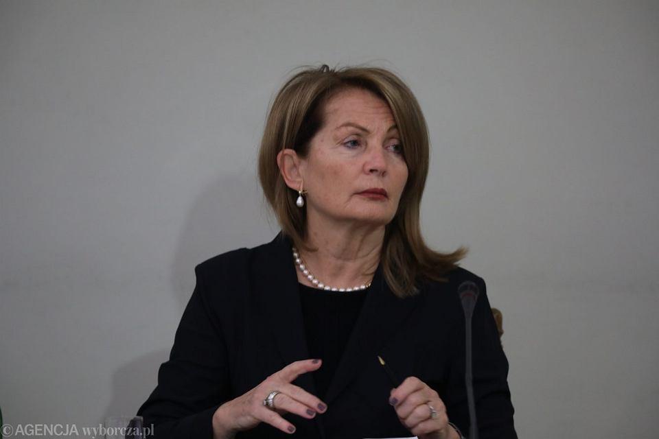 Była wiceminister finansów Elżbieta Chojna - Duch zeznaje jako świadek przed tzw. komisją ds. VAT, 21 listopada 2018.