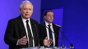 Prezes PiS Jarosław Kaczyński i wiceprezes Mariusz Kamiński. Kwatera główna PiS przy ul Nowogrodzkiej w Warszawie, 13 czerwca 2014