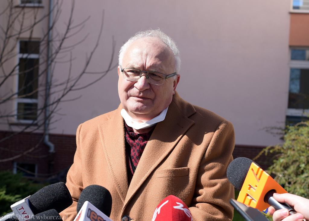 prof. Krzysztof Simon, kierownik Kliniki Chorób Zakaźnych i Hepatologii Uniwersytetu Medycznego we Wrocławiu