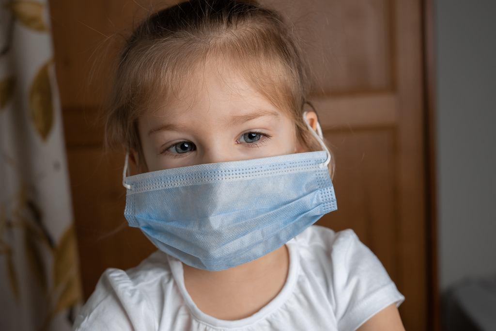 Koronawirus. Im młodsze dziecko tym bardziej zaraża