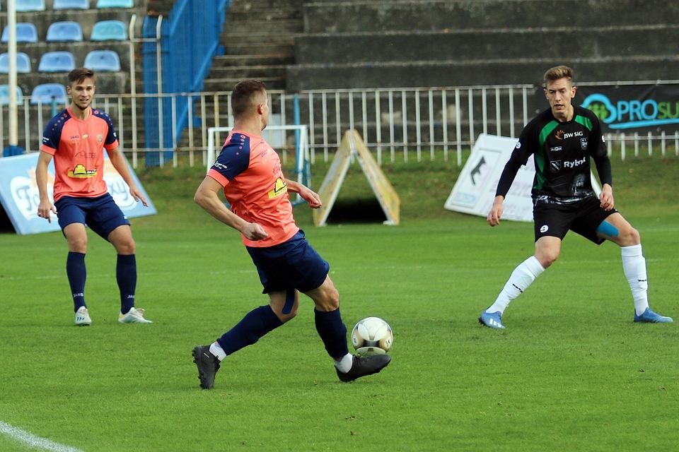Zdjęcie numer 63 w galerii - Bez bramek w meczu piłkarzy Warty Gorzów, rozgrywanym przy pustych trybunach [ZDJĘCIA]