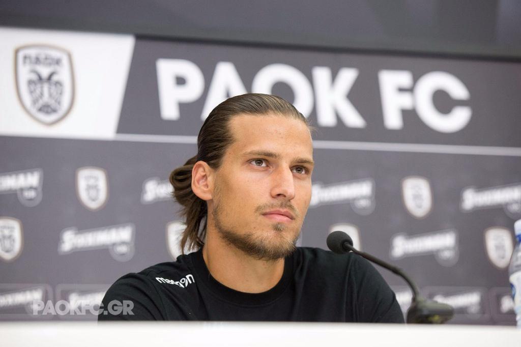 Prijović podczas konferencji prasowej w PAOK