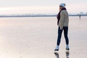 Jazda na łyżwach - jak się ubrać? Lodowisko na świeżym powietrzu czy kryte? Które lepsze?