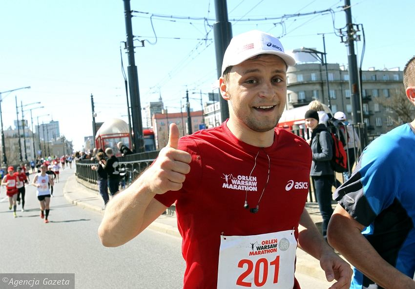 Paweł Jeleniewski na 41. kilometrze trasy Orlen Warsaw Marathonu