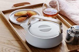 Dzbanek na herbatę - praktyczna ozdoba na stole [WYBÓR REDAKCJI, MODELE DO 100 ZŁ]